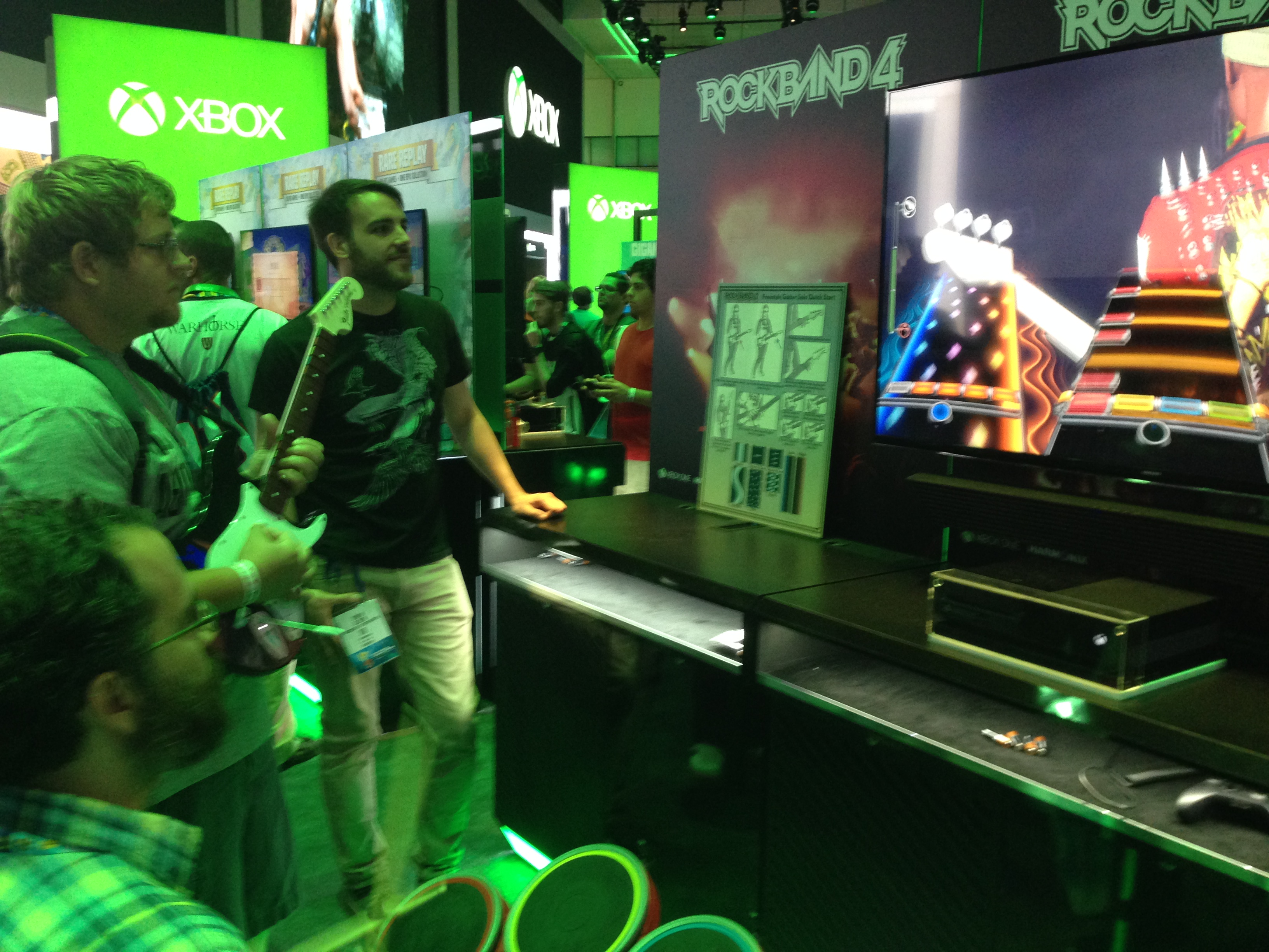 Freestyle Guitar Solo in the Xbox booth